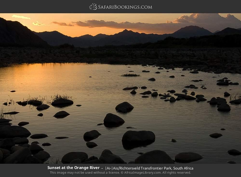 Sunset at the Orange River in |Ai-|Ais Richtersveld Transfrontier Park, South Africa