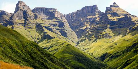 10-Day Victoria Falls + Cape Town + Safari Botswana