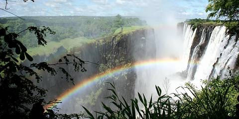 3-Day Thorntree River Lodge Weekend Stay, Victoria Falls