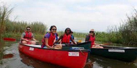 1-Day Fully Canoeing in the Foothills of the Virunga