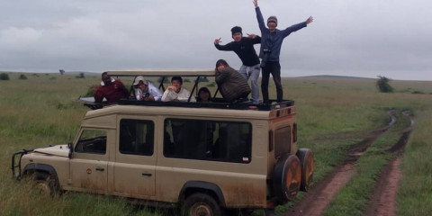 4-Day Wildebeest River Crossing in the Serengeti Park
