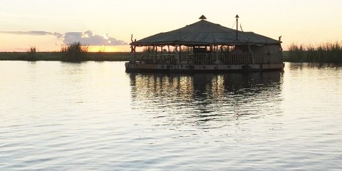 1-Day Game Drive & Lunch on Floating Restaurant Chobe