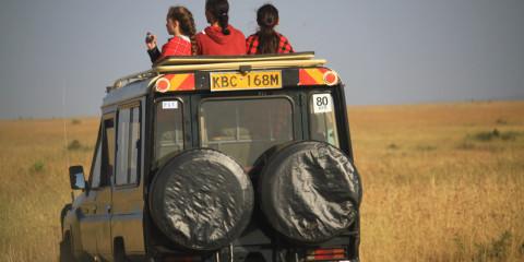 8-Day Discover Kenya Safari - 3 Parks & 2 Lakes