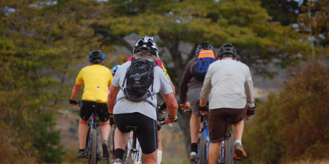 1-Day Bike Tour Combined with Hot Springs