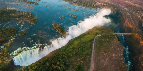 7-Day Victoria Falls + Chobe Luxventure® Safari