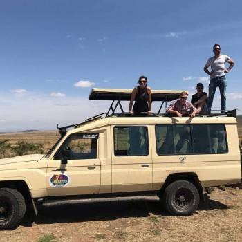 Africa Vision safari 4WD with pop up roof
