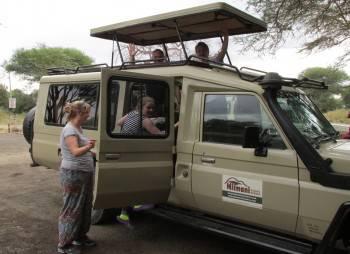 Safari Tanzania Kenya Uganda and Rwanda