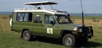 One of Muleni Safaris Uganda's Luxury Tourist vans